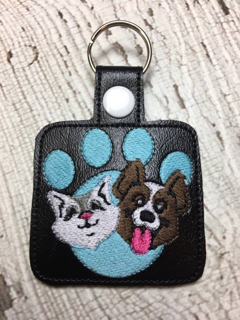 Paw Print - Cat - Dog - In The Hoop - Snap/Rivet Key Fob - DIGITAL  EMBROIDERY Design